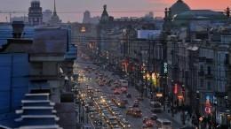«Любой каприз заваши деньги»: Что предлагают взолотом отеле наколесах вПетербурге