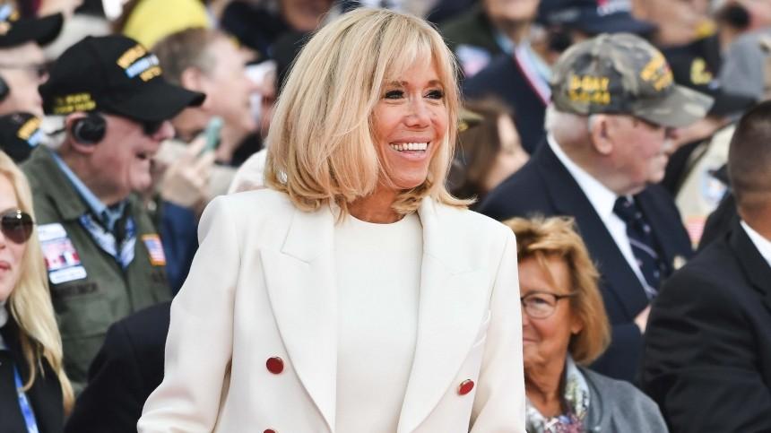 Первая леди Франции начнет давать уроки для взрослых
