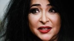 «Губки бантиком»: Лолита примерила образ клоунессы— видео