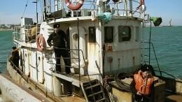 Браконьерские шхуны КНДР, задержанные российскими пограничниками, приконвоируют впорт Находки