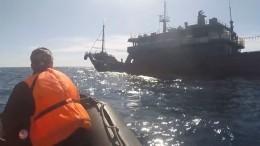 Конвой сзадержанными судами КНДР прибыл впорт Находка
