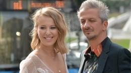 Астролог назвала дату развода Собчак иБогомолова