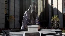 Памятник Дмитрию Хворостовскому установили вКрасноярске