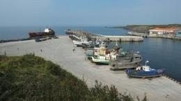 Спасательное судно подошло кгорящей возле острова Итуруп плавбазе «Петр Житников»