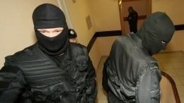 Видео: Поделу фальшивых медцентров проводятся обыски вПетербурге