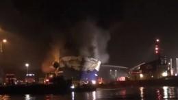Пожар нароссийском траулере «Бухта Наездника» грозит экологической катастрофой