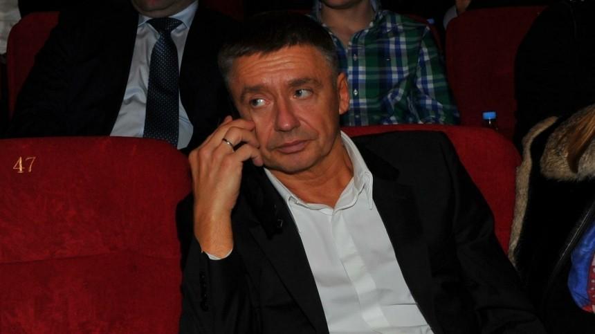 Антон Табаков рассказал оконфликте сотцом из-за Марины Зудиной