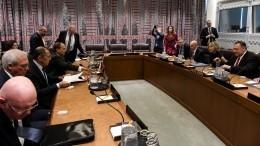 Лавров указал Помпео нанеприемлимость отказа ввизах делегатам ГАООН