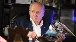 «Колоссальная потеря»: Александр Лазарев осмерти режиссера Захарова