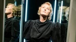 «Черная королева»: Рената Литвинова произвела фурор наНеделе моды вПариже