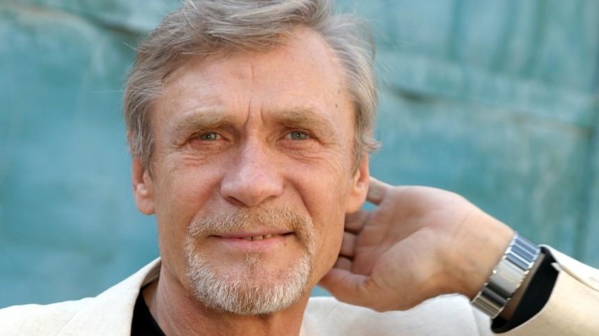 Почему звезда фильма «Любовь иголуби» Александр Михайлов мог нестать актером