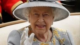 Элтон Джон рассказал, как Елизавета II отвесила пощечину племяннику