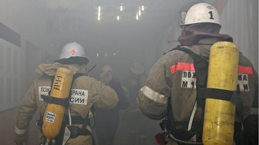 Более 70-ти человек эвакуировали из-за пожара вздании ОКБ Сухого