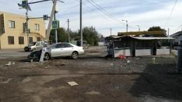 Автомобиль въехал воткрытый рынок под Волгоградом, четверо пострадали— фото
