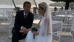Видео: девушки устроили битву забукет невесты насвадьбе Сергея иАнны Семак