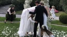 Видео: Сергей иАнна Семак устроили прогулку наяхте для гостей свадьбы