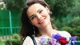«Держитесь!»: Боярская иБезруков спасаются отхолода грелками ипуховиками