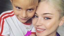 «Боже, как красиво!»: пятилетняя дочь Алены Шишковой порадовала маму портретом