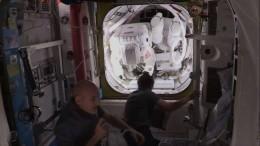 НАСА экстренно прервало трансляцию выхода астронавтов воткрытый космос