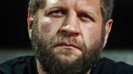 Стивен Сигал пригласил Александра Емельяненко нановую тренировку