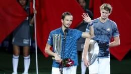 Россиянин Даниил Медведев взял второй «Мастерс» подряд, победив вШанхае