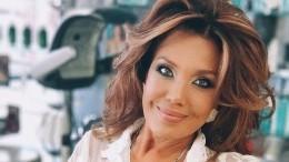 Певица Азиза призналась влюбовной связи сактером Александром Абдуловым