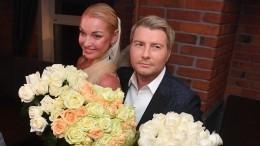 Волочкова намекнула насвадьбу сБасковым прямо вдень его рождения