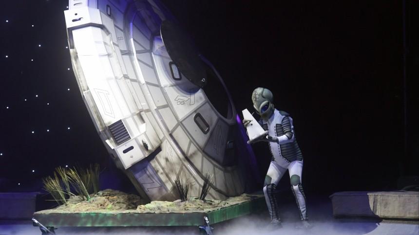 «Это вторжение!»: сыктывкарцев удивил загадочный светящийся объект внебе