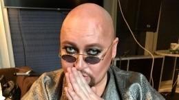 «Скосметикой переборщили»: Певец Шура ярко накрасился ипопросил непугаться