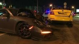Очевидцы рассказали, кто спровоцировал ДТП Porsche итакси вМоскве