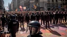 Поменьшей мере 200 человек задержаны входе беспорядков вБарселоне