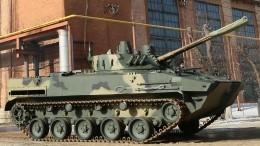 Полицейские проверяют видео ДТП сучастием бронемашины иавто вКостроме