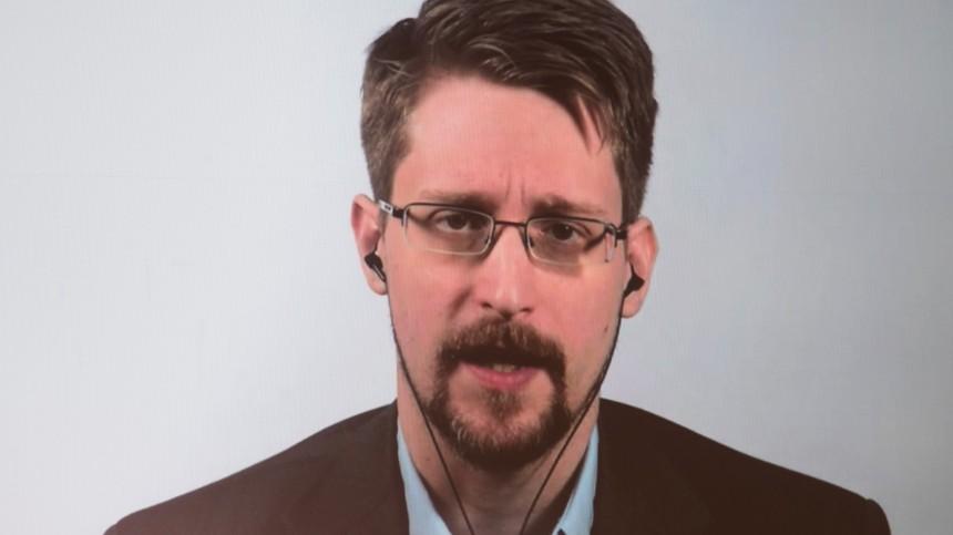 «Это трудно»: Сноуден пожаловался насвою жизнь вРоссии