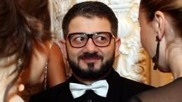 «Сложно очем-то мечтать, когда все есть»: Михаилу Галустяну исполнилось 40 лет