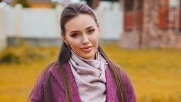Беременная Анастасия Костенко заявила, что небоится брать ребенка наруки