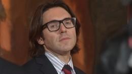 Малахов удивился претензиям кэфиру срасценками наэскорт-услуги знаменитостей