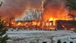 Школа впоселке Карелии полностью сгорела врезультате пожара