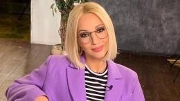 Любительница шопинга: Годовалая дочь Кудрявцевой утащила уматери сумку— видео