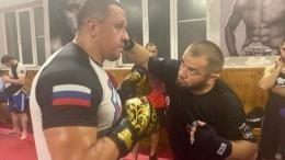 Дагестанский боец показал Кокляеву, как вырубить Емельяненко за20 секунд