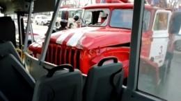 Двенадцать человек пострадали при столкновении автобуса, авто имашины МЧС