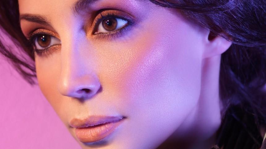 Секреты макияжа: Как убрать жирный блеск налице