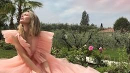 Пресс-секретарь Брежневой прокомментировала слухи обеременности певицы