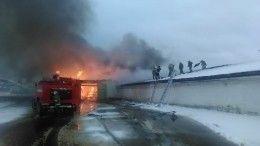 Фото: вНижнем Тагиле произошел крупный пожар наскладе сяйцами