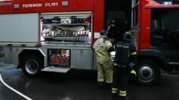 Видео: красноярцы приняли горящую машину запожар вполиции
