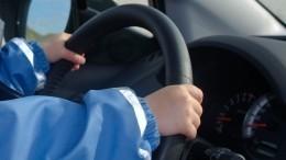 Жительница Челнов вновь дала «порулить» маленькому сыну наскорости 130 км/ч