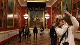 Эрмитаж застраховал картину Боттичелли натри миллиона евро