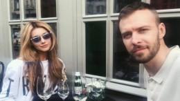 Миша Романова призналась, что давний друг Макс Барских неотец ееребенка