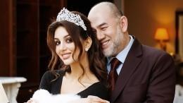 Оксана Воеводина заявила, что нежалеет обраке сэкс-королем Малайзии