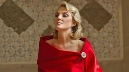 «Неземная красота»: Рената Литвинова покорила сеть голливудским образом
