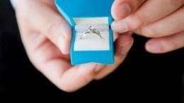 Итальянский депутат сделал предложение своей невесте вовремя заседания
